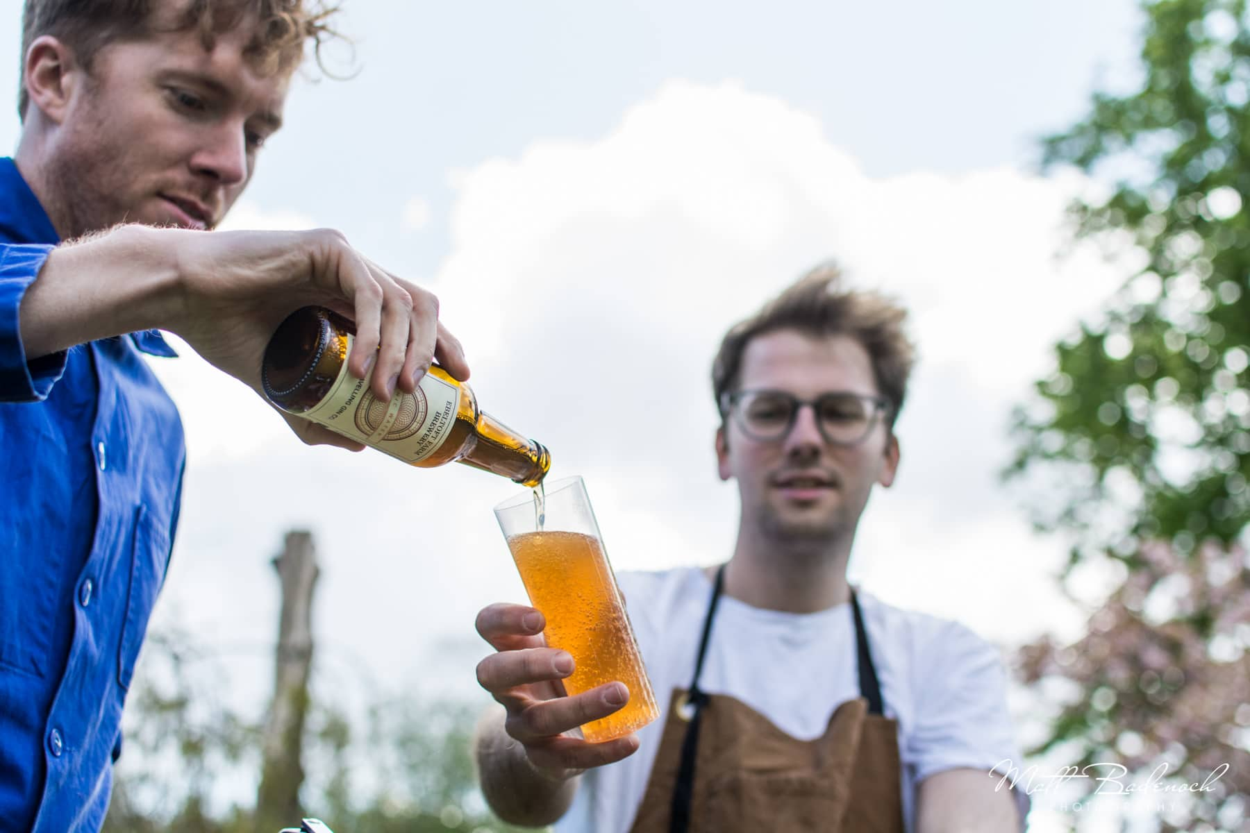 Pouring a drink, The Travelling Gin Co, London Wedding Caterers | Matt Badenoch Photography