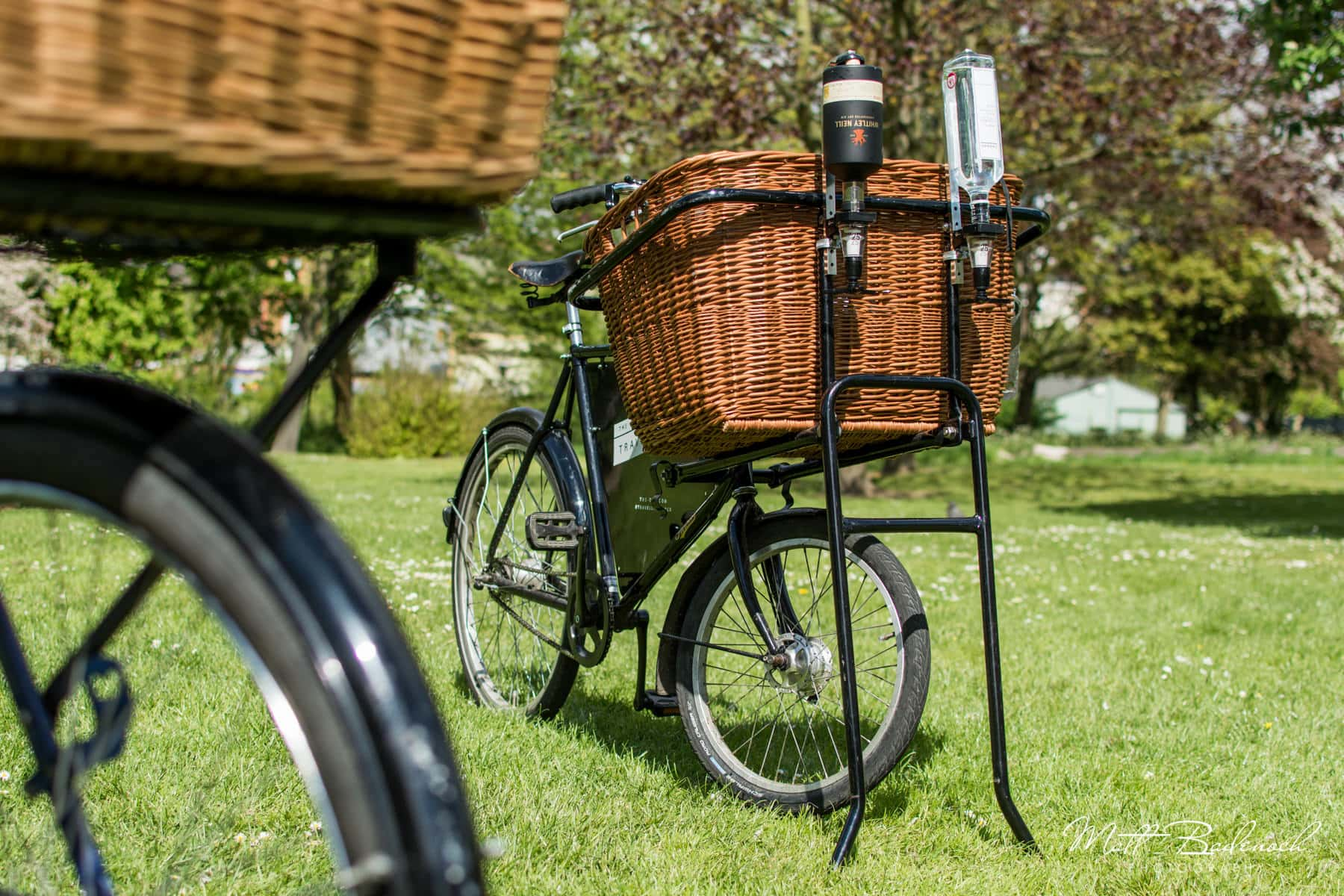 The bikes, The Travelling Gin Co, London Wedding Caterers | Matt Badenoch Photography
